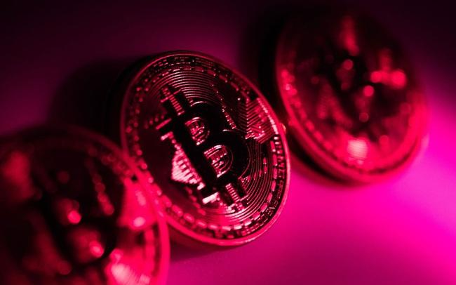 Bitcoin lại rớt mốc 30.000 USD, thổi bay 100 tỷ USD vốn hóa trong 24 giờ