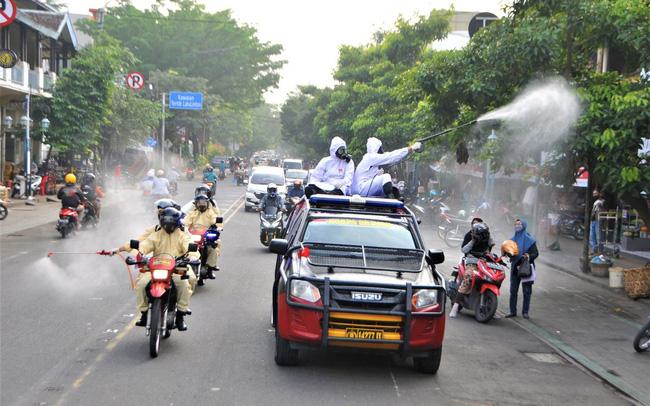 """Đây là """"tử huyệt"""" khiến Indonesia vượt Ấn Độ trở thành tâm dịch mới của thế giới, nhiều nước đang phát triển có thể rơi vào tình cảnh tương tự"""