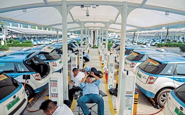 Điều gì khiến tỷ phú xe điện của Trung Quốc được Warren Buffett hậu thuẫn