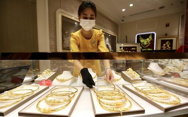 Thị trường vàng Hà Nội và TPHCM 'đóng băng' vì COVID-19?