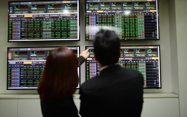 Góc nhìn CTCK: VN-Index khó bứt phá với thanh khoản thấp, có thể gia tăng tỷ trọng tại vùng 1.250 điểm