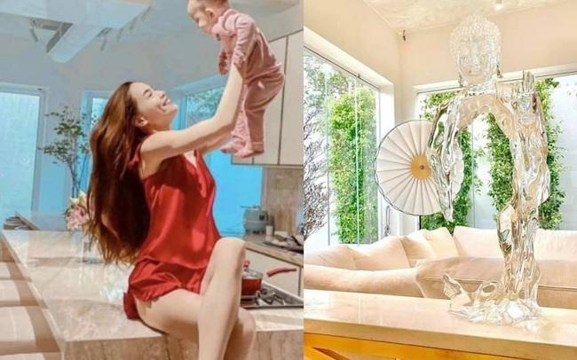 """Hồ Ngọc Hà khoe biệt thự mới 30 tỷ đồng: Nội thất căn bếp hàng trăm triệu đồng, góc nào trong nhà cũng """"xịn"""" như studio"""