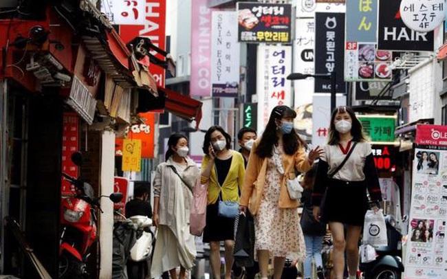 """Đi ngược xu hướng ở châu Á, Hàn Quốc """"tự tin"""" mở cửa trở lại"""