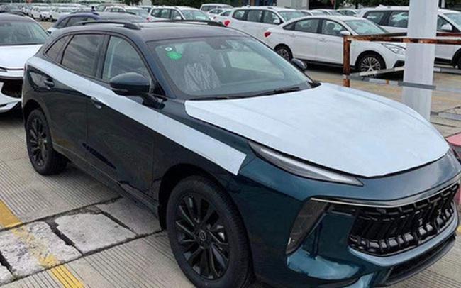Ô tô Trung Quốc rẻ hơn Honda CR-V 200 triệu, tiêu hao nhiên liệu 6,6L/100km đổ bộ Việt Nam