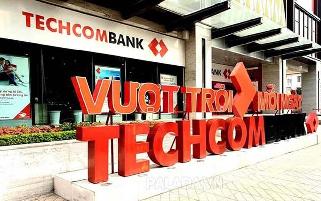 Cổ phiếu TCB lập đỉnh, vốn hóa Techcombank vượt VietinBank, BIDV