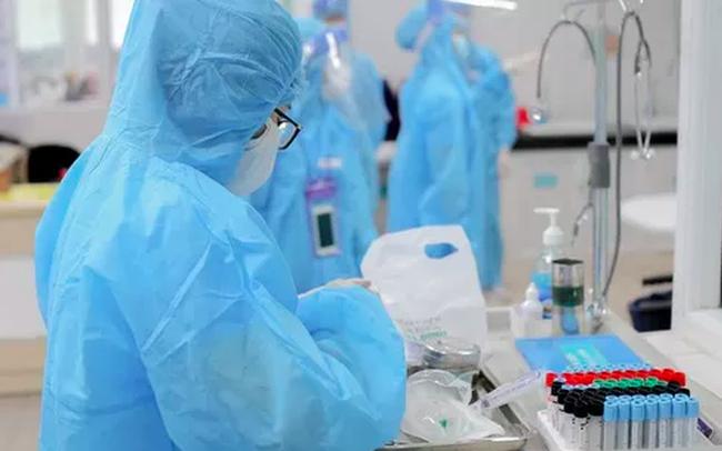 Việt Nam ghi nhận kỷ lục 1.102 ca mắc COVID-19 trong ngày, TP.HCM trở thành ổ dịch lớn nhất cả nước