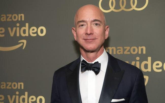Amazon bắt đầu một chương mới khi không có bàn tay của Jeff Bezos trên cương vị CEO