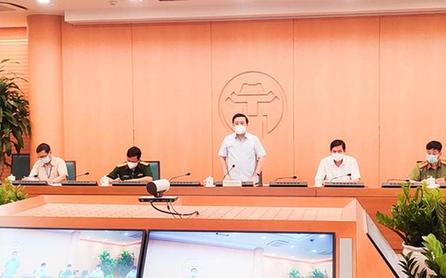 Hà Nội họp 'nóng' sau 10 ca mắc Covid-19: Khuyến cáo người dân không ra ngoài khi không cần thiết
