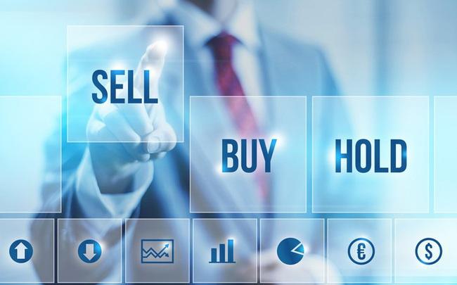 Nhiều lãnh đạo ngân hàng và người nhà đăng ký bán cổ phiếu