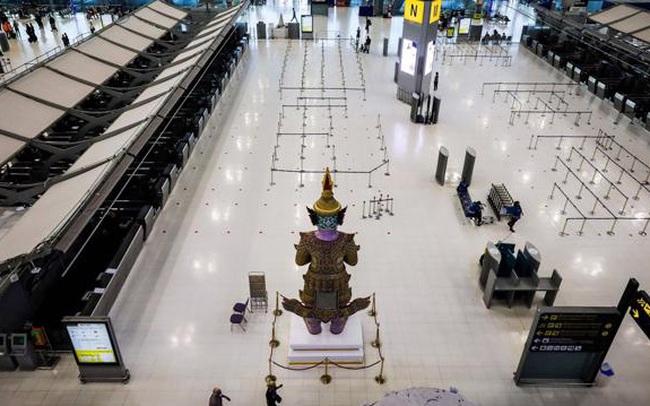Mỗi ngày thêm hơn 5.000 ca Covid-19 mới, Thái Lan biến sân bay thành bệnh viện dã chiến