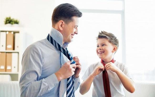 """Khi nuôi dạy con trai, """"mẹ lùi 1 bước, bố tiến 1 bước"""": Mẹ bình tĩnh, bố nhiệt tình, sự trưởng thành của con càng thêm xán lạn"""