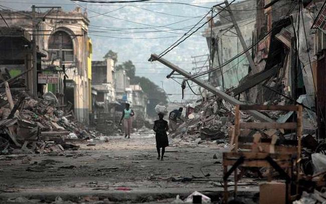 Nợ khủng tròng cổ 122 năm, 60% dân số kiếm được 2USD/ngày: Tại sao Haiti nghèo đến tuyệt vọng?