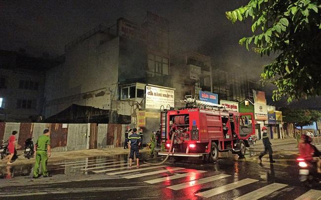 TP.HCM: Căn nhà cháy dữ dội trong thời điểm cách ly xã hội theo Chỉ thị 16