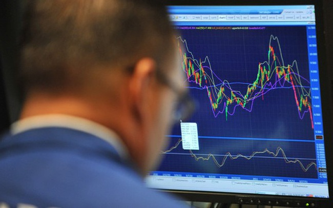 """Phiên 9/7: Thị trường """"rực lửa"""", khối ngoại tiếp tục mua ròng gần 800 tỷ đồng, tập trung """"gom"""" MBB, HPG"""