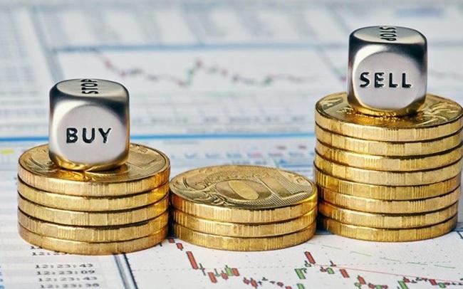 """Thị trường tăng """"nóng"""", hàng loạt doanh nghiệp đăng ký bán cổ phiếu quỹ, Vinhomes và Sacombank cũng nhập cuộc"""