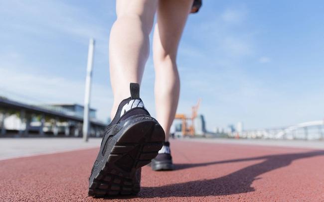 Người sống thọ thường có chung 4 dấu hiệu nhỏ này khi đi bộ: Hãy kiểm tra xem mình có đủ hay không!