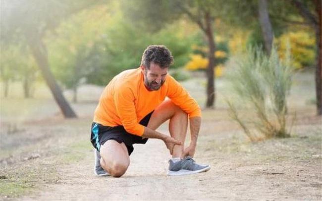 5 dấu hiệu cho thấy cơ thể đang dần lão hóa, đàn ông có quá 3 thứ thì chứng tỏ sức khỏe đáng báo động, cần thay đổi lối sống gấp