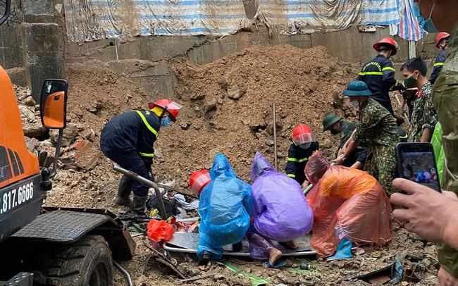 NÓNG: Sạt lở đất vùi lấp 4 người ở thành phố Hạ Long