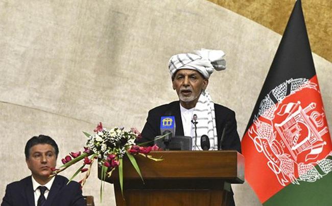 Tổng thống Afghanistan rời khỏi đất nước, sân bay Kabul bị tấn công