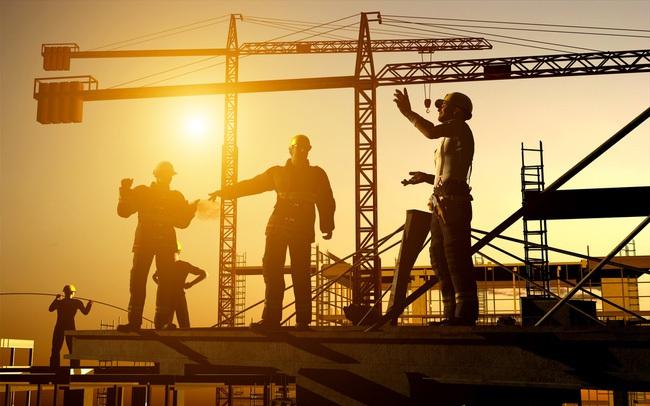 """Trái chiều kết quả kinh doanh các doanh nghiệp xây dựng giữa """"bão giá"""" nguyên vật liệu trong nửa đầu năm 2021"""