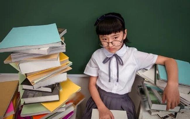 """Đừng đánh đổi bất kỳ điều gì với """"tầm nhìn"""" của con: Chưa đi học trẻ vẫn có thể bị cận thị, cha mẹ chú ý tới mắt trẻ càng sớm càng tốt"""