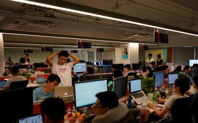Sau các ông lớn công nghệ, đến lượt văn hóa làm việc 996 khét tiếng của Trung Quốc bị đưa vào tầm ngắm