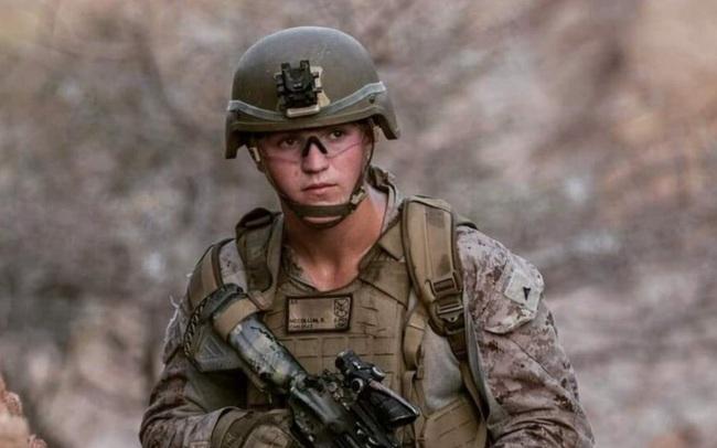 Chưa đầy 7 tháng tuổi khi vụ khủng bố ngày 11/9 xảy ra, chàng lính trẻ nằm trong nhóm binh sĩ Mỹ cuối cùng thiệt mạng trên đất Afghanistan, con mồ côi cha khi chỉ 3 tuần nữa chào đời