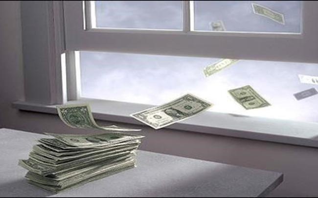 6 quan niệm sai lầm về quản lý tài chính ngăn cản bạn làm giàu: Thay đổi ngay trước khi tiền bạc tiêu tán