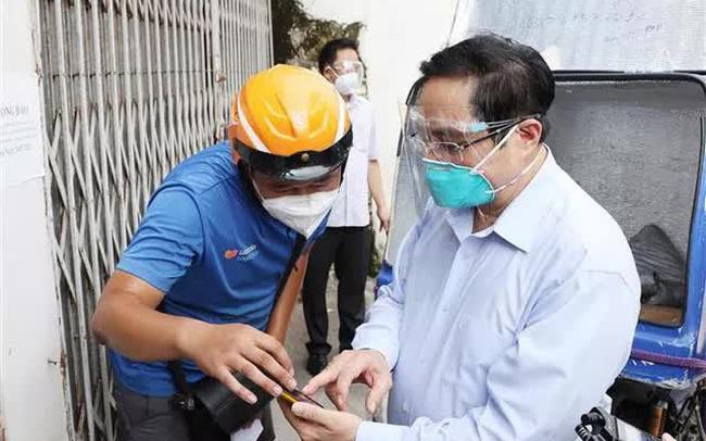 Thủ tướng bất ngờ đi kiểm tra ổ dịch lớn nhất Hà Nội phát hiện Sở chỉ huy không người trực, phường Thanh Xuân Trung chưa có Bí thư