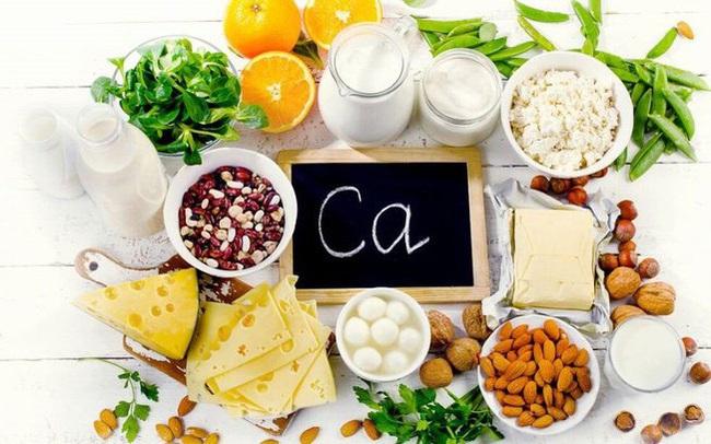"""Thiếu canxi có thể ảnh hưởng đến 15cm chiều cao: 7 thực phẩm""""rẻ bèo"""" giàu canxi mà không ai ngờ đến, ăn thường xuyên để không bị loãng xương, giúp tăng chiều cao và cơ thể khỏe mạnh, dẻo dai"""