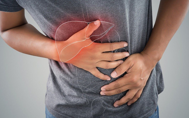 Người đàn ông 54 tuổi tử vong chỉ sau 3 tháng phát hiện ung thư gan, bác sĩ nhấn mạnh 4 dấu hiệu bất thường phải lưu ý để không bỏ lỡ thời cơ vàng điều trị bệnh