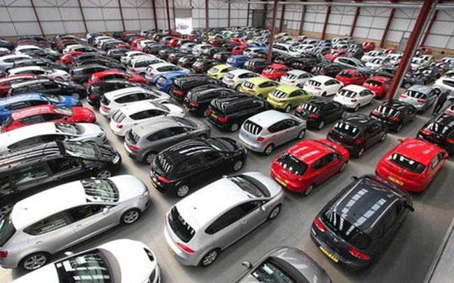 Cảnh chưa từng thấy: 200 đại lý ô tô đóng băng mùa dịch, doanh số thấp kỷ lục trong 10 năm