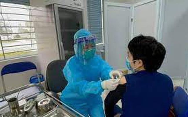 'Thần tốc' trong xét nghiệm, tiêm phòng Covid-19 tại Hà Nội: Số liều vaccine tiêm trong 6 ngày gần bằng 6 tháng qua