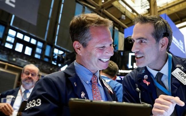 Cổ phiếu năng lượng 'tỏa sáng', Phố Wall tăng điểm