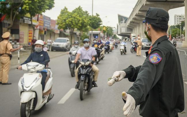 """Hà Nội: 19 quận, huyện """"vùng xanh"""" sẽ được nới lỏng đi lại, không kiểm soát giấy đi đường"""