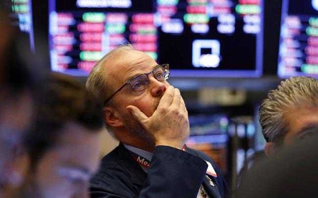 Khối ngoại tiếp tục bán ròng hơn 3.300 tỷ đồng trong tuần ETFs cơ cấu danh mục, tâm điểm bán ròng hơn 1.500 tỷ đồng cổ phiếu VIC