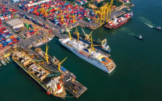 Bộ trưởng Giao thông đề nghị địa phương xem xét lại việc cấp giấy đi đường với doanh nghiệp hàng hải