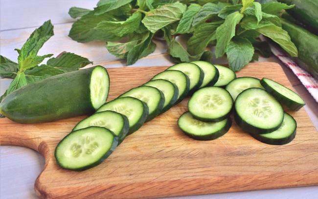 Ăn chín, uống sôi tốt cho sức khỏe nhưng 4 loại rau này ăn sống lại có tác dụng như 'thần dược', nấu chín chỉ làm hao hụt dưỡng chất