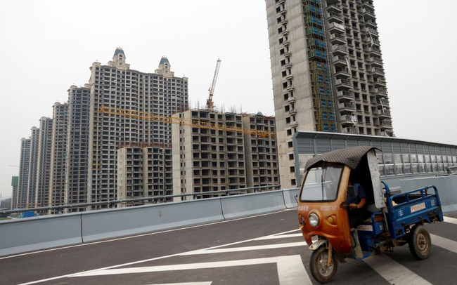 """'3 lằn ranh đỏ"""" - cách Trung Quốc kiểm soát khối nợ khổng lồ của các ông trùm địa ốc khiến Evergrande đứng trước nguy cơ vỡ nợ"""