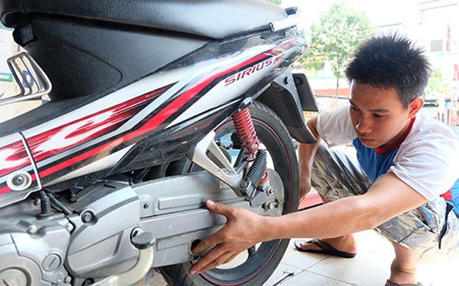 Dịch vụ sửa xe máy tại nhà cháy khách ngày Hà Nội nới lỏng giãn cách