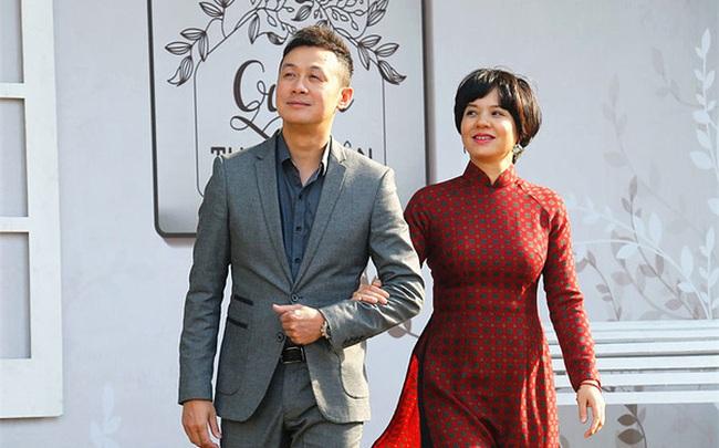 """""""Cặp đôi vàng"""" của VTV Diễm Quỳnh - Anh Tuấn ngày ấy bây giờ: Ngoài đời thân thiết, làm nghề ăn ý """"như vừng trộn với lạc"""", thậm chí từng bị hiểu nhầm là vợ chồng"""