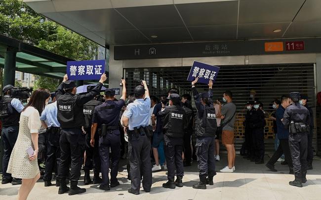 Nợ trái phiếu và 'gây bão' cho thị trường tài chính vẫn là chưa đủ, Evergrande 'vỡ trận' vì đi vay cả hộ gia đình Trung Quốc?