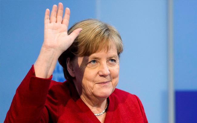 """""""Bà đầm thép Angela Merkel"""" chưa thể ngay lập tức về hưu để nhận 17.500 USD/tháng cùng một cuộc sống an nhàn"""