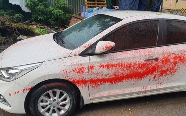 Hà Nội: Hàng loạt xe ô tô bị tạt sơn đỏ trong Khu đô thị Trung Văn