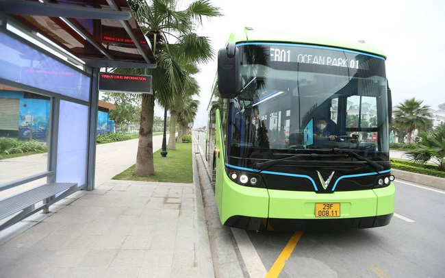 Hà Nội vận hành 2 tuyến buýt điện đầu tiên vào tháng 10