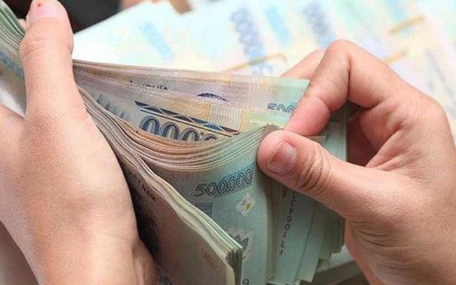 Kinh tế khó khăn, lãi suất xuống thấp, người dân và doanh nghiệp gửi thêm bao nhiêu tiền vào ngân hàng từ đầu năm đến nay?