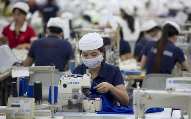 Chỉ số sử dụng lao động của khu vực phía Nam thấp kỷ lục, gần 2/3 số công nhân tại TP HCM 'tạm thời' chưa có việc