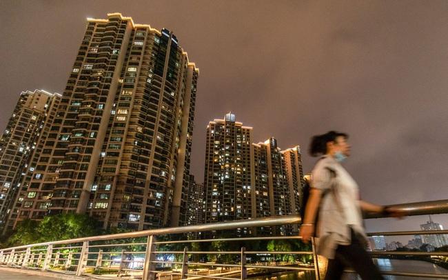 Trung Quốc lẳng lặng 'giải cứu' Evergrande: Kêu gọi các ngân hàng hỗ trợ, tập đoàn mắc nợ sẽ bị chia tách?