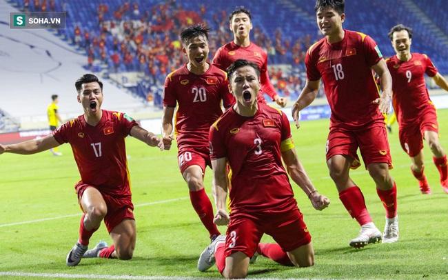 NÓNG: Công Phượng trở lại, thầy Park loại 6 cầu thủ, chốt danh sách đấu Trung Quốc