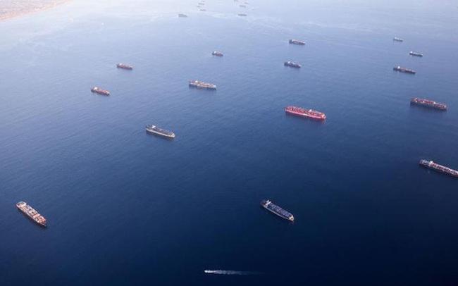 Mắc kẹt trên biển suốt 18 tháng, hàng trăm nghìn thuyền viên đồng loạt nghỉ việc, hệ thống chuỗi cung ứng toàn cầu trên bờ vực sụp đổ